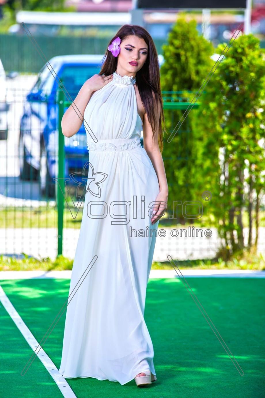 rochie-din-voal-crem-cu-perle-la-gat-1501744070-4