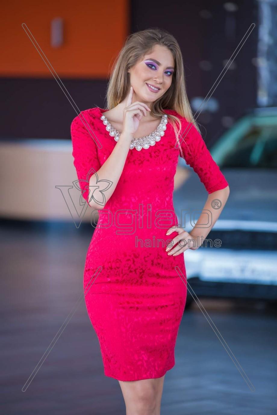 rochie-jacard-rosu-cu-accesorii-aurii-1503396798-4