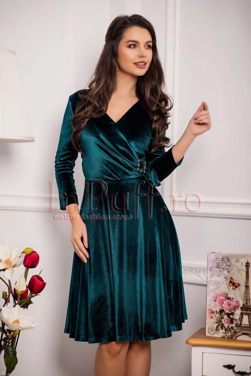 rochie-eleganta-verde-din-catifea-1540282977-4