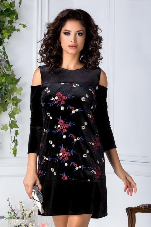 rochie-moze-din-catifea-neagra-cu-broderie-florala-152054-2